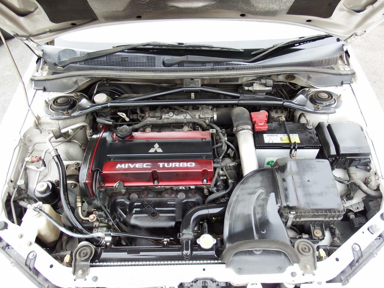 ランサーエボリューションワゴンのバッテリー交換方法